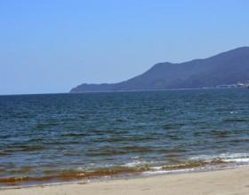 海岸で待つロケット発射