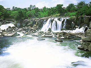 Sogi-no-Taki Waterfall