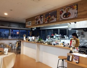 MINATO cafe <br />~ Enjoy the view from Sakurajima Port and the original cafe menu! ~